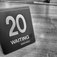 20, Waiting (Jon-F, themachine) Tags: japan digital asian asia sony nagoya  nippon japo oriental orient fareast  aichi nihon  digitalphotography   chubu japn misterdonut  2015  landoftherisingsun  chuubu   xapn jonfu  snapseed dscwx70