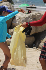 IMG_8785 (Streamer -  ) Tags: ocean sea people green beach nature students ecology up israel movement garbage sunday north group young cleanup clean teen shore bags  nonprofit streamer  initiative enviornment    ashkelon          ashqelon   volonteers      hofit