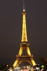 IMG_9439 (Irirarara) Tags: paris francia france torre arquitectura torreeiffel eiffeltower toureiffel noche night luz iluminacin nocturna
