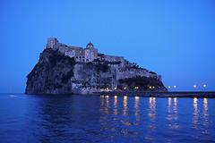 Ischia - Castello Aragonese (COLINA PACO) Tags: ischia napoli npoles castello nocturno notte noche night isla island islas isola isole