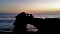 Pura Tanah Lot (SqueakyMarmot) Tags: travel asia indonesia bali 2016 tanahlot hindutemple coast ocean sunset