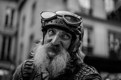 O Captain! My Captain! (skamelone) Tags: paris 2016 streetphotography blackandwhite bw urban leica m246 50mm