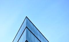 Modern offices (Aloriel) Tags: praha prague praga czechrepublic repblicacheca gimp building minimalismo minimalism nikon d90
