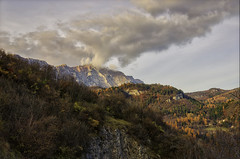 Vallagarina (robbar74) Tags: villalagarina trento trentinoaltoadige autunno colori fall nuvole sky clouds cloudysky vallagarina cielo montistivocornettobondone