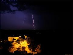 Bruniquel - Tarn et Garonne (www.speleophoto.fr) Tags: bruniquel chteau castel foudre orage clair feudartifice nocturne urbain mdival thunderstorm