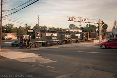 Paxton Pan (marko138) Tags: emd gp382 harrisburg ns5612 norfolksouthern paxtonstreet pennsylvania sou2823 steeltonindustrialtrack blur exsouthern locomotive pan railfan railroad railroadphotography slowshutter steeltonlocal train