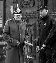 At Canterbury Cathedral Gate, Remembrance Sunday, 13 Nov 2016 (chrisjohnbeckett) Tags: guard watching vigilant music instrument brass police dog uniform portrait candid bw blackandwhite monochrome canonef135mmf2lusm chrisbeckett guarding vigilance expression horn global photojournalism security fotodivertenti
