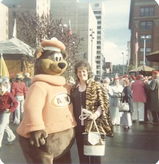 1974 - Sharon and A&W Root Beer Bear at Expo '74 (The Cardboard America Archives) Tags: expo74 spokane washington foundphoto 1974 worldsfair
