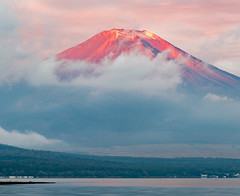 2016 Autumn Red Fuji (shinichiro*) Tags: 南都留郡 山梨県 日本 jp 20161028ds40050−2 2016 crazyshin nikond4s afsnikkor2470mmf28ged yamanashi japan 山中湖 lakeyamanaka autumn october fiji sunrise 30851987172 798495 201703gettyuploadesp