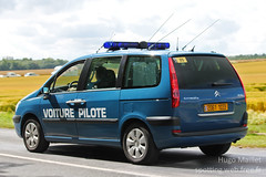 Gendarmerie | Citron C8 (spottingweb) Tags: spotting spotted spotter spottingweb vhicule vehicle france car voiture monospace garderpublicaine tourdefrance letourdefrancegendarmerie gendarmerienationale gendarme forcedelordre scurit secours urgence intervention gyrophare policeman security cop cops copvan 17 militarypolice citron c8voiturepilote course
