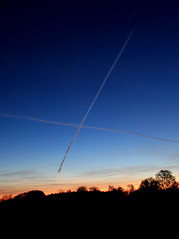 contrails (mmoonnttyymmaann) Tags: morninglight sky avation contrail bluesky blue trails aircraft intersection crossingtrails x contrails