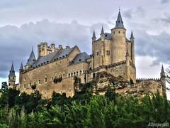 Alcazar de Segovia (ASpepeguti) Tags: españa spain segovia castillayleón olympusmju400 aspepeguti photomatixpro42 satorgettymomentos