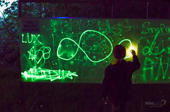 malen mit Licht! (michaellux70) Tags: light art painting lampe licht with mit kunst led event installation 100 lightshow malen jahre mhnesee moehnesee leuchten jahrhundert gnne phosphorisierend beamershow nachleuchten