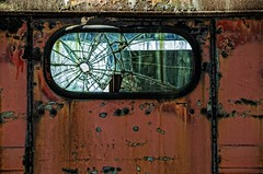 (rickhanger) Tags: window truck rust rusty rearwindow shattered brokenwindow