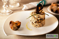 Risotto misto scoglio con vongole veraci, vongole lupino, cozze e fasolari (Wendy Hal) Tags: light red italy food cup vegetables dinner bread lunch pepper soup rice fork spoon pasta meat eat steak snack octopus basil seafood onion gli carne pane tuna linguine zuppa vongole polpo cozze tonno carciofi peperoni oion bistecca legumi moscardini cipolline arcibuoni