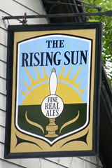 Rising Sun, Stanford le Hope. (piktaker) Tags: bar pub inn tavern essex risingsun pubsign innsign publichouse stanfordlehope