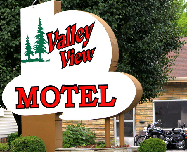 Valley View Motel - Celina, TN
