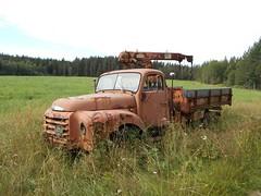DSCN2732R (Flash 86) Tags: old abandoned truck volvo junk rust sweden sverige rost skrot gammal starke skrotbil lastbil fordon vergiven skogsvrak