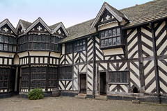 The Courtyard at Little Moreton Hall, Cheshire. (waynesidderley) Tags: houses architecture buildings mills elementsorganizer