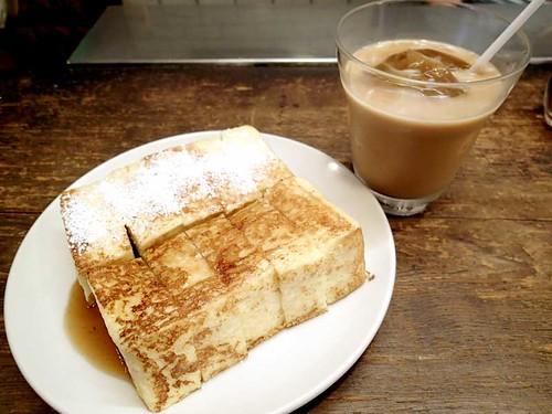 フレンチトーストとダッチコーヒー