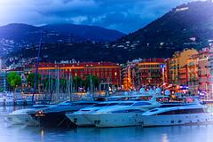 Port de Nice (KDR Pictures) Tags: light sunset sky cloud france port canon boats eos harbor nice lumire bateaux ctedazur ciel nuage tamron mont yatch frenchriviera 70300 btiments 60d