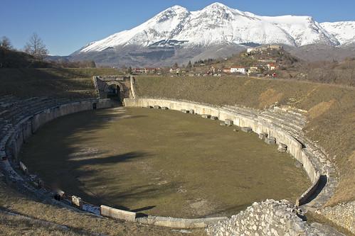 Alba Fucens - L'anfiteatro