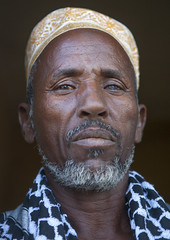 Afar Tribe Elder, Afambo, Afar Regional State, Ethiopia (Eric Lafforgue) Tags: africa portrait people men vertical beard outdoors photography day adult african muslim islam tribal personality elder males ethiopia tribe adultsonly anthropology oneperson frontview hornofafrica ethiopian afar mulsim senioradult traditionalclothing lookingatcamera onlymen colorpicture onemanonly onematuremanonly danakil colourimage africanethnicity 1people seniormen africanculture oneseniormanonly colourpicture afambo assaita asaita assayta ethio1408716