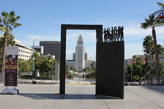 doorway framing City Hall, Los Angeles (vtpoly) Tags: musiccenter losangeles cityhall building architecture sculpture art polywoda california