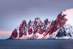Djevlens Tanngard (cfaobam) Tags: ersfjord tungeneset beach norway norwegen fjord water wasser stein stone canon landscape landschaft europe europa nature national geographic cfaobam color travel photography magic light deep north outdoor dämmerung sonnenuntergang sunset alpenglühen berg mountains meer felsen djevlens tanngard explorer2016