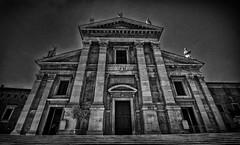 Duomo di Urbino (Eric@focus) Tags: noiretblanc urbino duomo church italy distinguishedblackandwhite blackwhitephotos tokinaaf1116mmf28