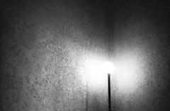 (UrbaceousSentiment) Tags: lampe lamp verona italia italy italien lomo lca schwarzweis bw monochrome pushed diafilm slide film analog analogue vignetting vignettierung