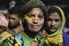 Holi en Banke Bihari Temple. Vrindavan, Uttar Pradesh. India. (Ral Barrero fotografa) Tags: seleccionar india holi portrait girl indian indu vrindavan