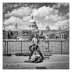 Rocking St. Pauls (sdc_foto) Tags: sdcfoto street streetphotography bw blackandwhite pentax pentaxart london stpauls thames music guitar singer pentaxflickraward