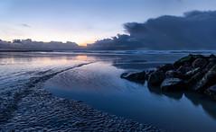 Approaching thunderstorm in Nieuwpoort (Patrick LEMAIRE) Tags: nieuwpoort zee zonsondergang storm onweer blauw thunderstorm approaching 2016