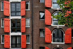 Faade d'Amsterdam (jjcordier) Tags: amsterdam paysbas hollande faade volet orange