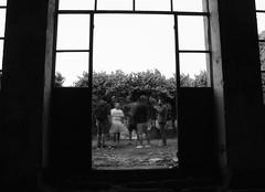 Spawn (¡¡Bang!!) Tags: amigos cerveza tertulia sanatorio mental house ruinas ruins ghosts fantasmal paranormal blanco y negro