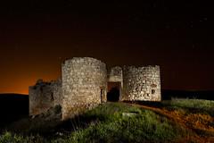 Castillo Lujan (raul_lg) Tags: sky castle canon stars ruinas cielo estrellas nocturna castillo albacete abandonado castillalamancha largaexposicion saelices segobriga canon1635 maglite3d raullg