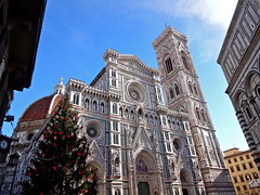 Il Duomo (k.mckeown) Tags: christmas italy tree florence cathedral sony duomo