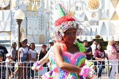 Soundsational-Pinata Girl (thelesliebelle) Tags: disneyland disney entertainment thethreecaballeros soundsational mickeyssoundsationalparade donaldsfiestafantastico pinatagirl