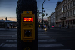 prag-35 (LindahlNiclas) Tags: sign crossing pedestrian stop
