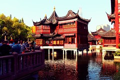 Yu Yuan Garden and Bazaar   (jasonlsraia) Tags: china garden shanghai chinadigitaltimes bazaar yuyuan 2013