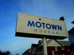 wm47_detroit_19 (WM47) Tags: old usa streetart ford rooftop car stati
