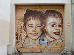 Graff in Paris (brigraff) Tags: door streetart paris art painting children kid puerta arte panasonic kind urbanart porta porte enfants tr ninos bambino artedelacalle tz7 panasonictz7 brigraff