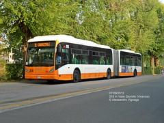 VanHool New AG300 | AIM 316 in Viale Giuriolo (AlebusITALIA) Tags: italy bus italia tram autobus vicenza veneto trasporti trasportipubblici aimvicenza aimmobilità