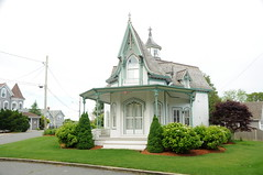 DSC_0010 (Putneypics) Tags: house capecod victorian falmouth falmouthheights putneypics