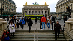 a c'est Paris !!! (Photographe Naf) Tags: people paris france monument architecture place transport capitale opra rue ville urbain palaisgarnier mtropolitain 2mearrondissement