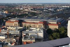 Der Haupt-Bahnhof (julia_HalleFotoFan) Tags: leipzig aussicht uniriese cityhochhaus flickrtreffen panoramaturm september2013