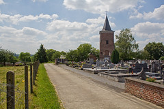 Braives - l'glise Notre Dame (grotevriendelijkereus) Tags: tower church graveyard town tour village belgium belgique cemetary glise ville lige wallonia braives walllonie