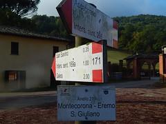 Eremo di Montecorona e il frutteto antico 2 ottobre 2016 (Katnis2016) Tags: eremomontecorona abbaziamontecorona montecorona umbertide umbria italy fruttetoantico sanlorenzo abbaziadimontecorona