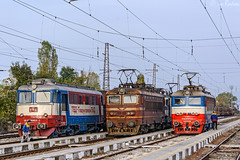 TBD sandwich (Rivo 23) Tags: bdz cargo bulgarian railways electric locomotive skoda 64e tbd tovarni prevozi 68e class 43 44 072 sulzer 60 0819 lde 2100 zaharna fabrika railway station freight train